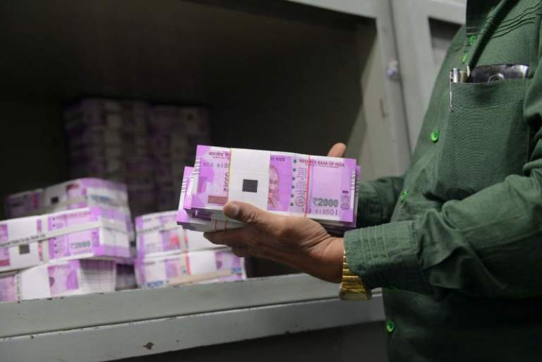 Woman, guarding Rs 2.89 crore cash, unleashes dogs on Income Tax officials in India