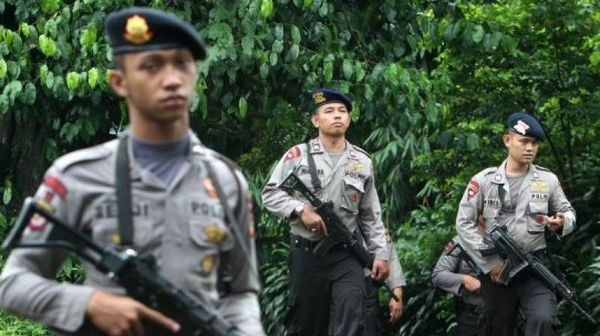 Arrested Indonesian woman says IS militant ordered bombing